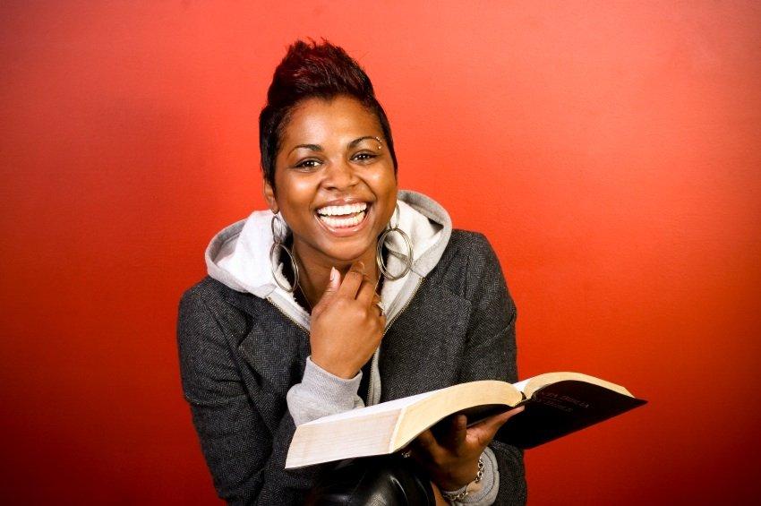Black-Girl-Reading